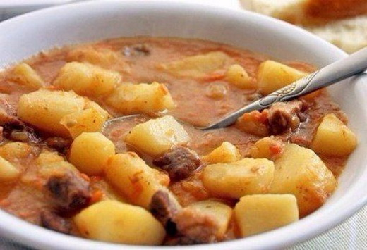 как приготовить тушеное мясо с картошкой