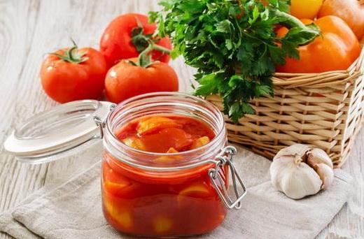 Лечо с перцем и помидорами