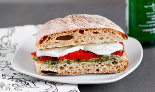 Бутерброды с болгарским перцем на праздничный стол