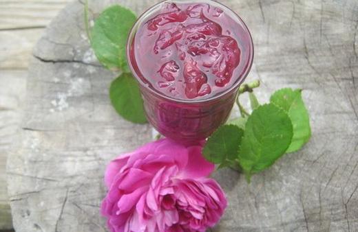 Варенье с тростниковым сахаром из роз
