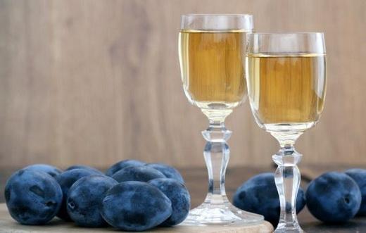 Вино столовое из сливы