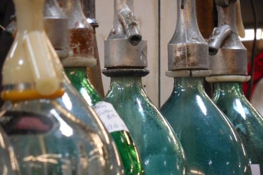Бутыли для хранения вина из винограда