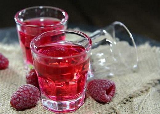 Вино малиновое из ягод