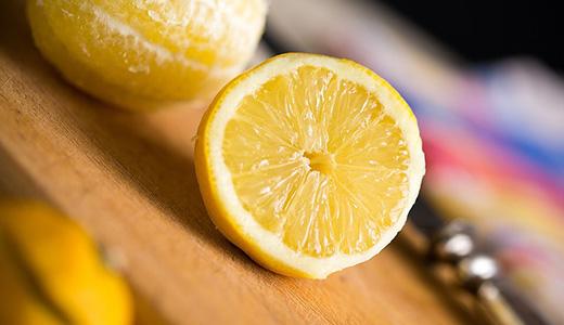 Лимон от неприятных запахов на кухне