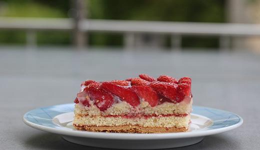Традиционный клубничный пирог