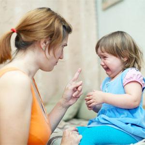 Как вести себя с ребенком, если он закатывает истерики