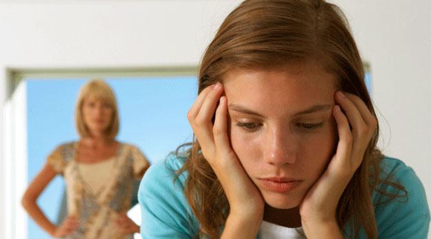 Переходный возраст у девочки: что это и как помочь ребенку?