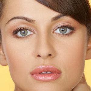 Как сделать большие глаза с помощью макияжа | Видео-урок