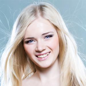 Как правильно наносить макияж на выпускной | Видео урок