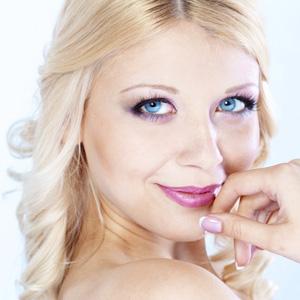 Как правильно наносить макияж принцессы барби | Видео урок
