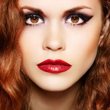 Как правильно делать макияж с красной помадой | Видео урок