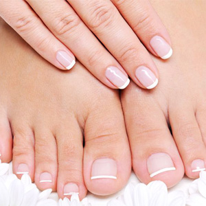 Как наращивать ногти на ногах?