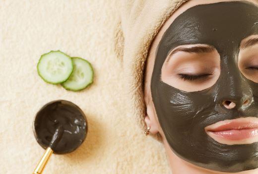 Из чего состоят грязевые маски для лица и как их делать