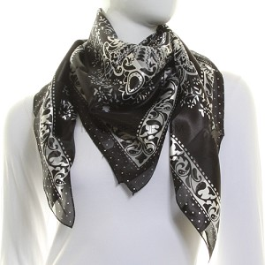 Как завязать квадратный шарф