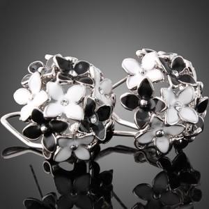 Как выбрать украшения черного и белого цвета