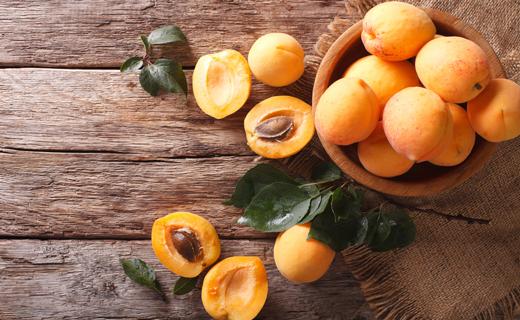 Сонники абрикосовое дерево