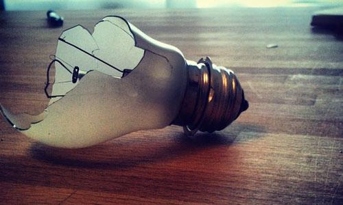 К чему снится Лампочка во сне, сонник видеть Лампочку что означает?