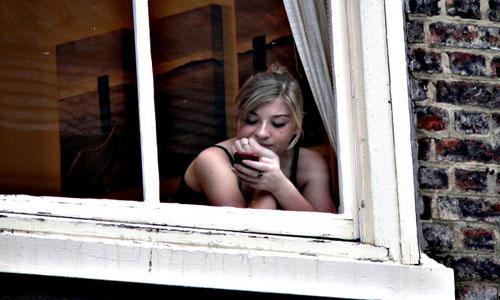 Если во сне вам хочется открыть окно, чтобы впустить в помещение чистый воздух, — значит, в вашем окружении есть человек, чье влияние на вас велико, но не всегда благотворно.