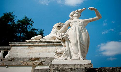 статуя в соннике